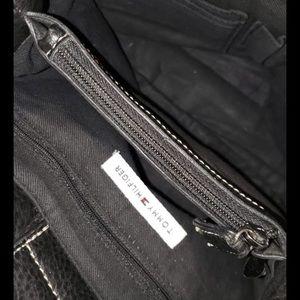 Tommy Hilfiger Bags - Tommy Hilfiger Black Bucket/Crossbody Bag
